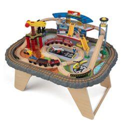 Kidkraft 17564 Set Treno E Tavolo Giocattolo In Legno Per Bambini Transportation Station Con 58 Pezzi Inclusi 0
