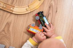 Treno giocattolo: come scegliere il migliore per il tuo bambino